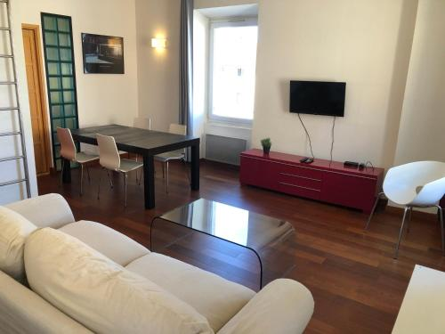 A seating area at Boost Your Immo Marseille 1er arrondissement 467