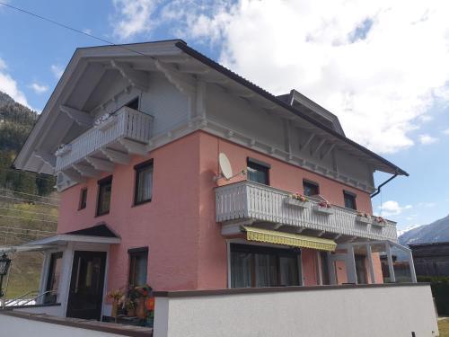 Haus Elena