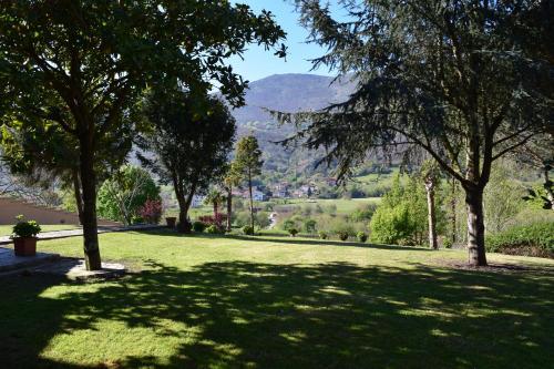 Jardín al aire libre en Hotel Rural El Otero