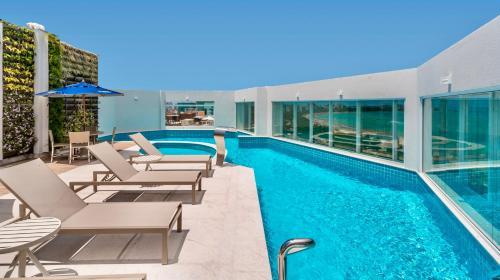 The swimming pool at or close to Hotel Brisa Praia