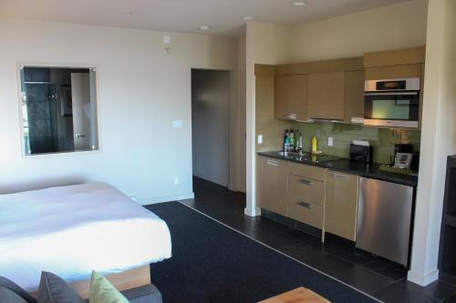 A kitchen or kitchenette at Black Rock Oceanfront Resort