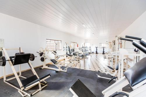 The fitness center and/or fitness facilities at Hotel Londri Star