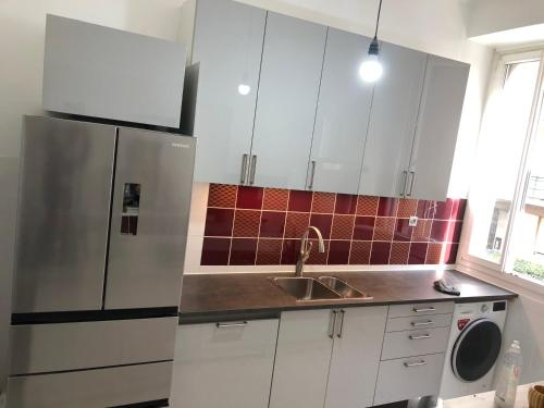 A kitchen or kitchenette at Bilel