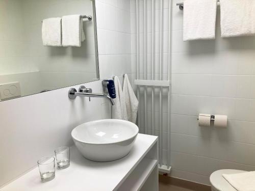 A bathroom at Vayamundo Houffalize