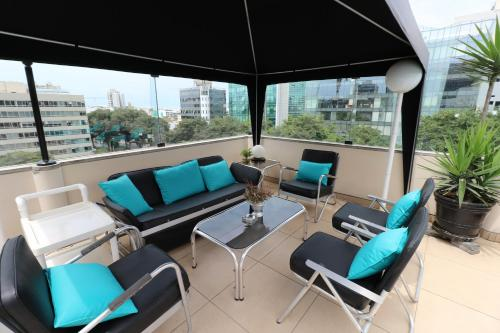 A seating area at Hotel Boulevard