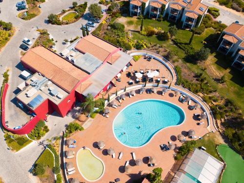 Een luchtfoto van Vale da Lapa Village Resort