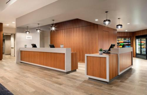 The lobby or reception area at Courtyard Seattle Downtown/Lake Union