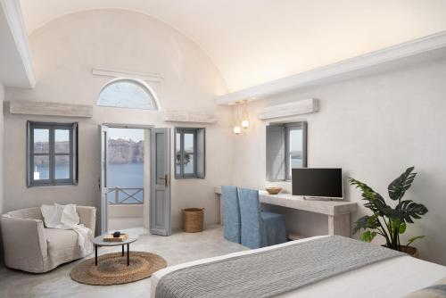 A seating area at Bubble Suite Santorini
