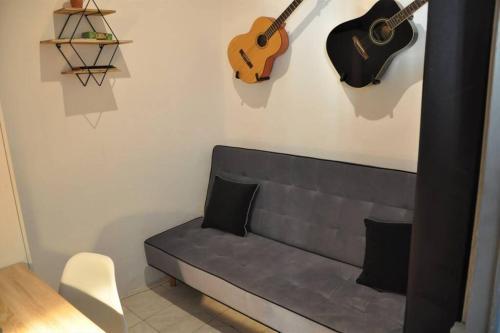 A seating area at Spacieux & lumineux appartement au coeur de Marseille