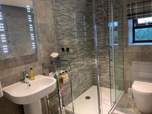 A bathroom at Beaconsfield Farm