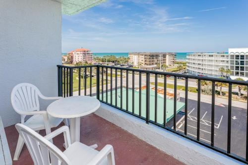 A balcony or terrace at Beachside Hotel and Suites