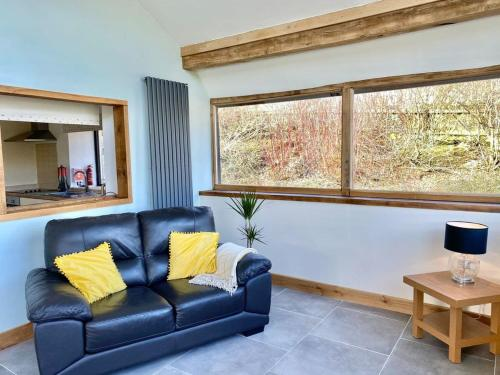 A seating area at Oak View Cottage