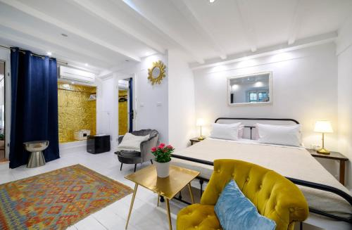 A bed or beds in a room at Swan Adriatic Apartment & Room