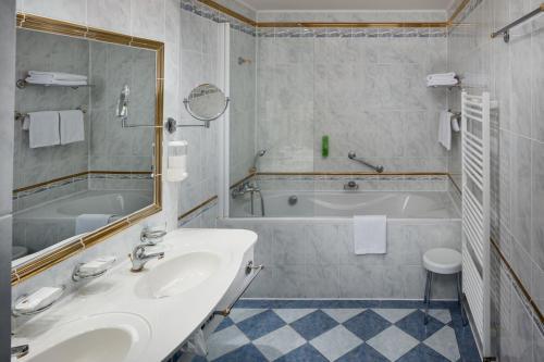 Koupelna v ubytování Ensana Grandhotel Pacifik