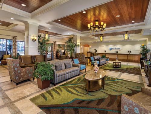 The lobby or reception area at Club Wyndham Oceanside Pier Resort
