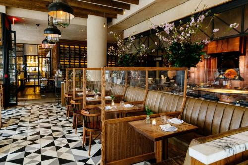 A restaurant or other place to eat at Kimpton Hotel Eventi, an IHG Hotel