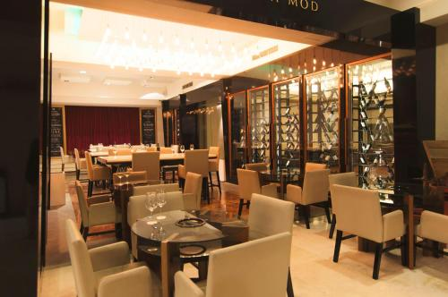 A restaurant or other place to eat at Mod Hotels Mendoza