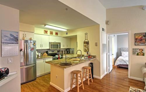 A kitchen or kitchenette at Disney Adjacent