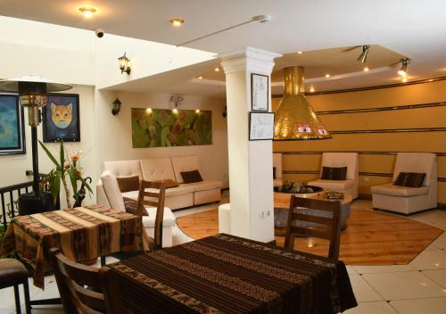 A seating area at Hotel Qalasaya by Prima Collection