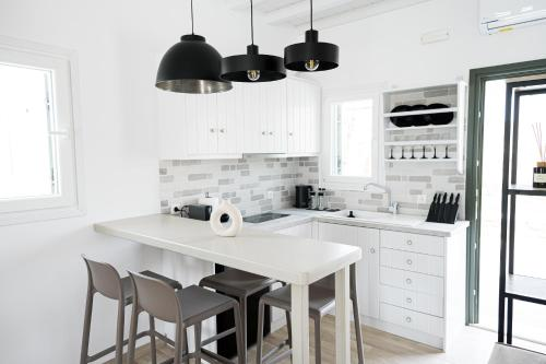 A kitchen or kitchenette at SilvAir I by Silvernoses, Mykonos
