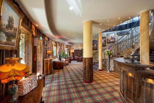 Lounge oder Bar in der Unterkunft Wellnesshotel Seeschlößchen - Privat- Spa & Naturresort