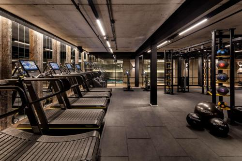 The fitness centre and/or fitness facilities at The Edwardian Manchester, A Radisson Collection Hotel