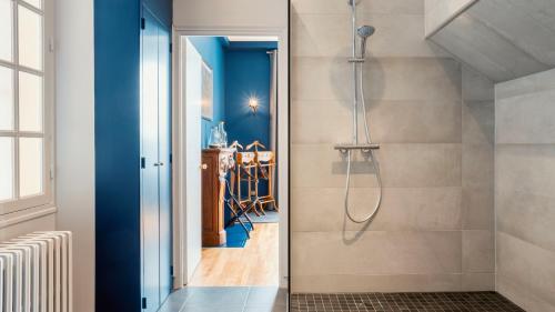 Salle de bains dans l'établissement Les Chambres du Champagne Collery