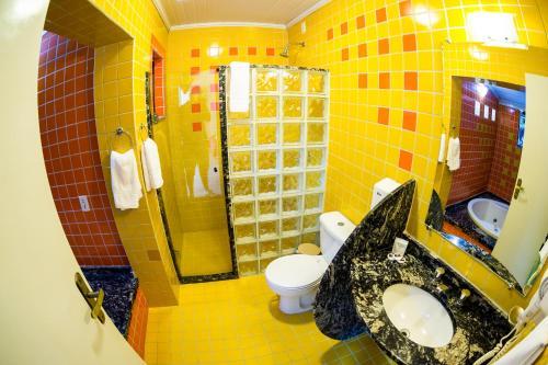 A bathroom at Pousada Suarez