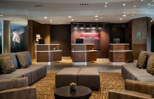 The lobby or reception area at Courtyard by Marriott Scottsdale Salt River