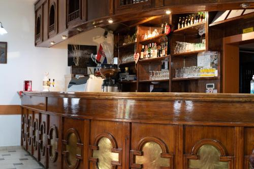 The lounge or bar area at Hotel Mirni Kutak