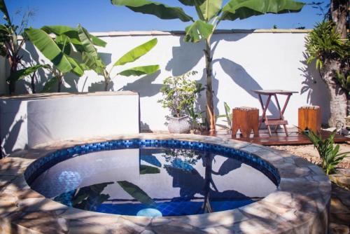 A piscina localizada em Planeta Banana Paraty ou nos arredores