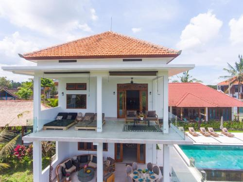 The swimming pool at or close to Wake Up in Paradise at Lebah Villas