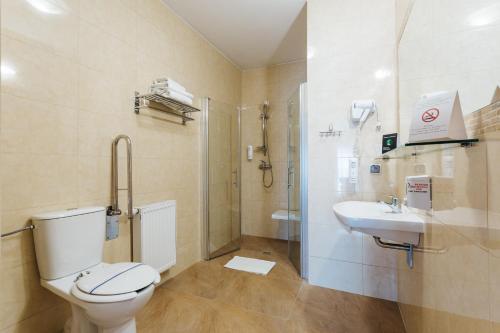A bathroom at Willa Jan