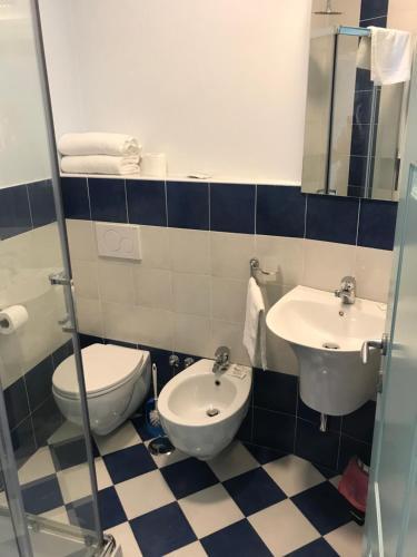 A bathroom at Palazzo Vingius