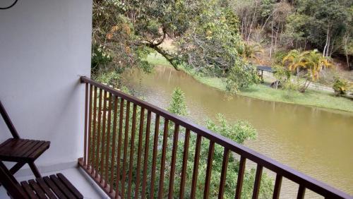 Vista do rio perto da pousada campestre