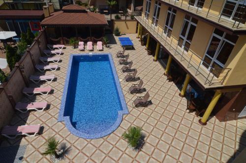 Вид на бассейн в Отель Масис  или окрестностях