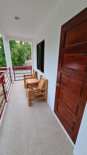 A seating area at Roos Guesthouse