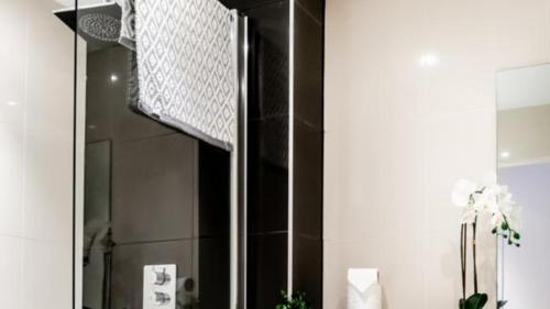 A bathroom at Stay Angels Blonk Street Sheffield Luxury Apartments