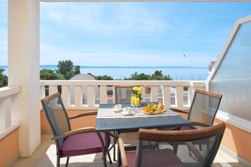 A balcony or terrace at Villa Ivano