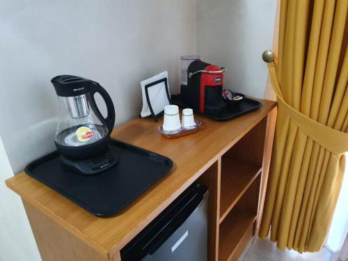 Coffee and tea making facilities at Vittoria Guest House Salerno
