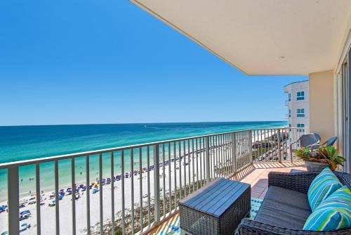 A balcony or terrace at Majestic Sun 1014B- Shades of Blue by RealJoy Vacations