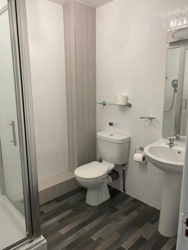 A bathroom at Willow Lakes