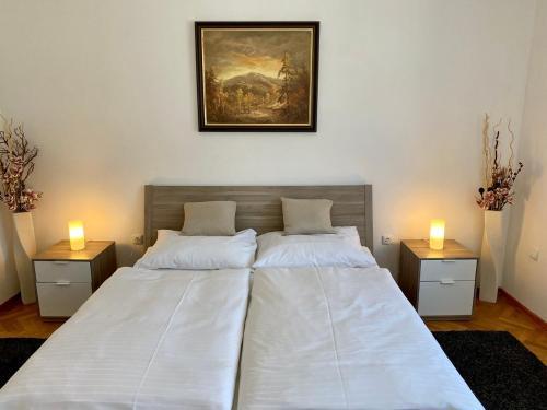 Postel nebo postele na pokoji v ubytování Hotel Freud
