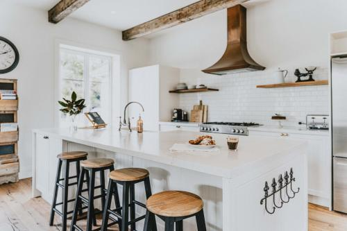A kitchen or kitchenette at The French House