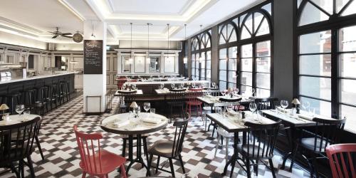 Un restaurante o sitio para comer en Boutique Hotel Wellenberg