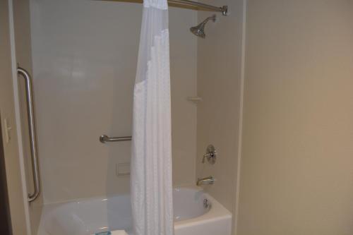 A bathroom at Holiday Inn Express Springdale - Zion National Park Area, an IHG Hotel