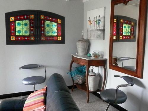 Coin salon dans l'établissement Gîte Serreslous-et-Arribans, 4 pièces, 6 personnes - FR-1-360-77