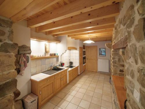 A kitchen or kitchenette at Gîte Montarcher, 4 pièces, 6 personnes - FR-1-496-11