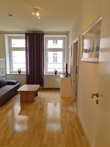 A kitchen or kitchenette at Monteurwohnung Miere