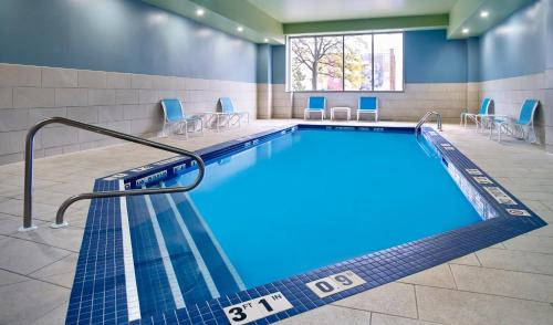 The swimming pool at or near Holiday Inn Express Windsor Waterfront, an IHG Hotel